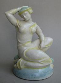 Kniende Frau (Formnummer 1), 1924, Höhe 26 cm, Entwurf: Augusta Kaiser