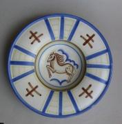 Großer Wandteller Pferd (Formnummer 222), 1924, Durchmesser 38 cm, Entwurf: Hedwig Marquardt